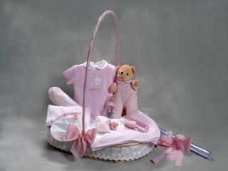 Canastillas para recién nacidos y bebés entre 100 y 200 €. Compra online en nuestra tienda canastillas para regalos de bebés y recién nacidos.
